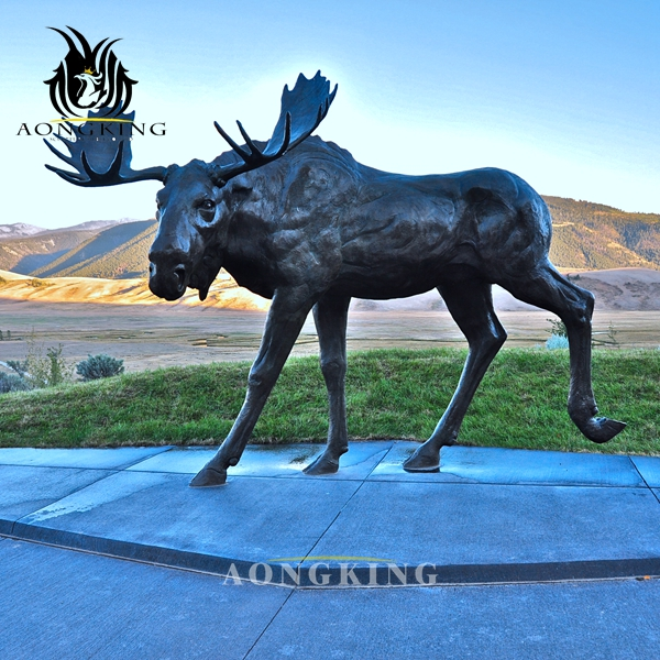 metal moose sculpture