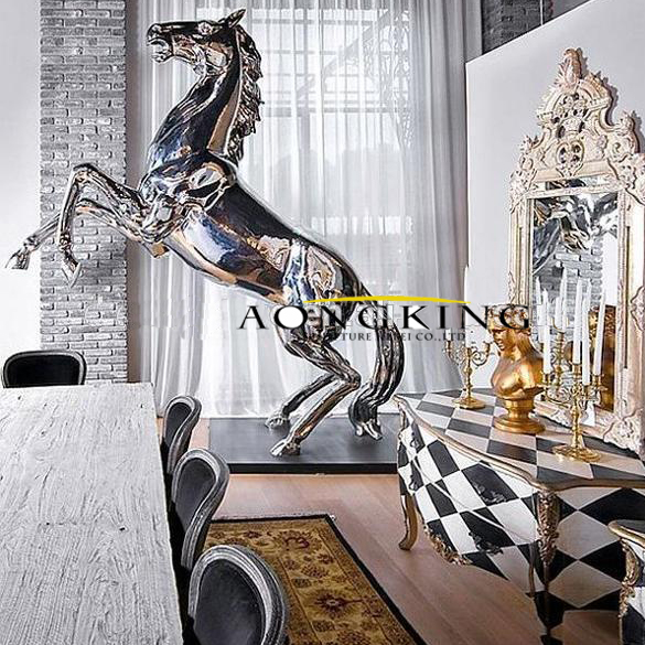 horse garden sculpture