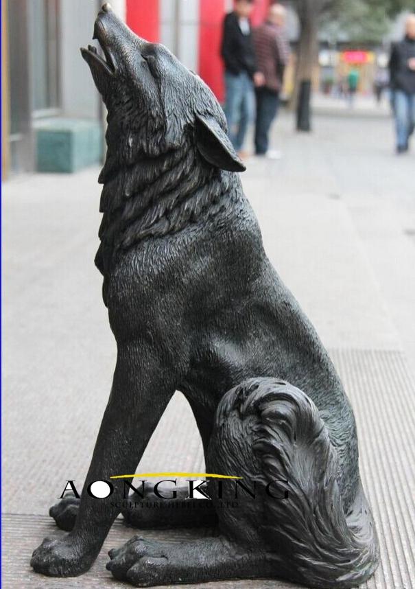 Bronze animal violent wolf art sculpture