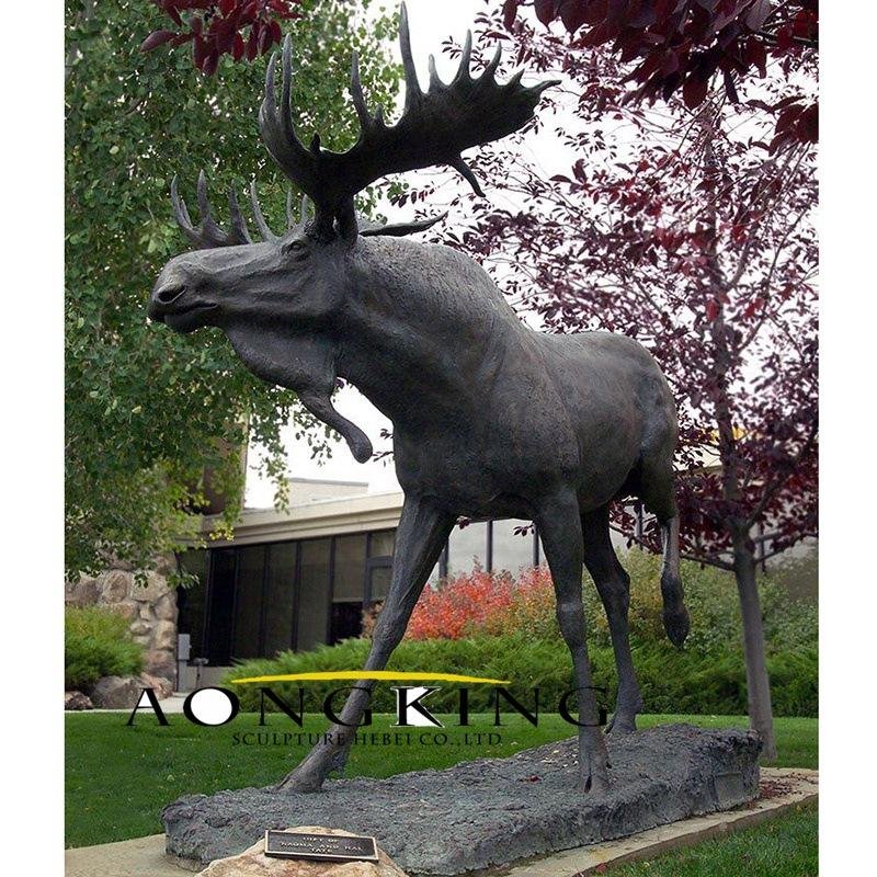 Bronze sculpture moose