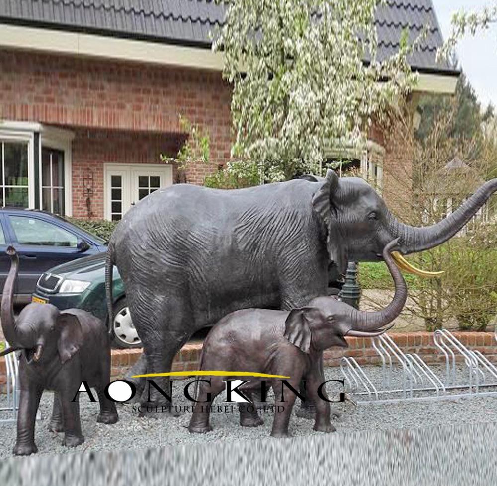 Fine cast bronze sculpture elephant fountain