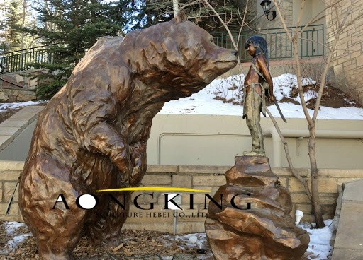 Large outdoor bear statue