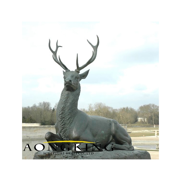 Chantilly stag statue