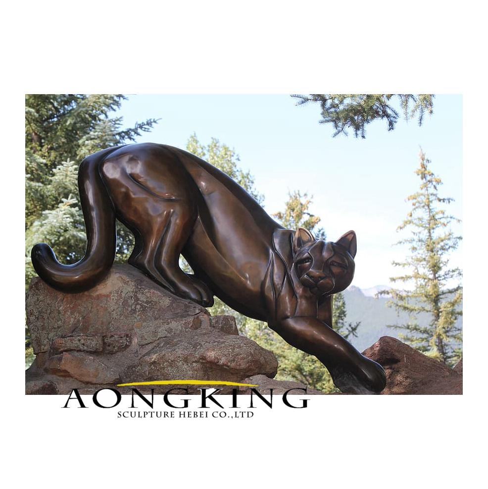Lion statue colorado cat
