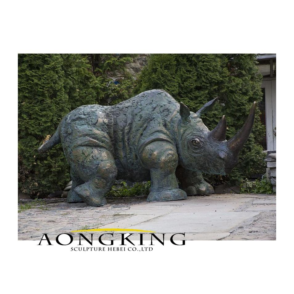 Rhino bronze animal