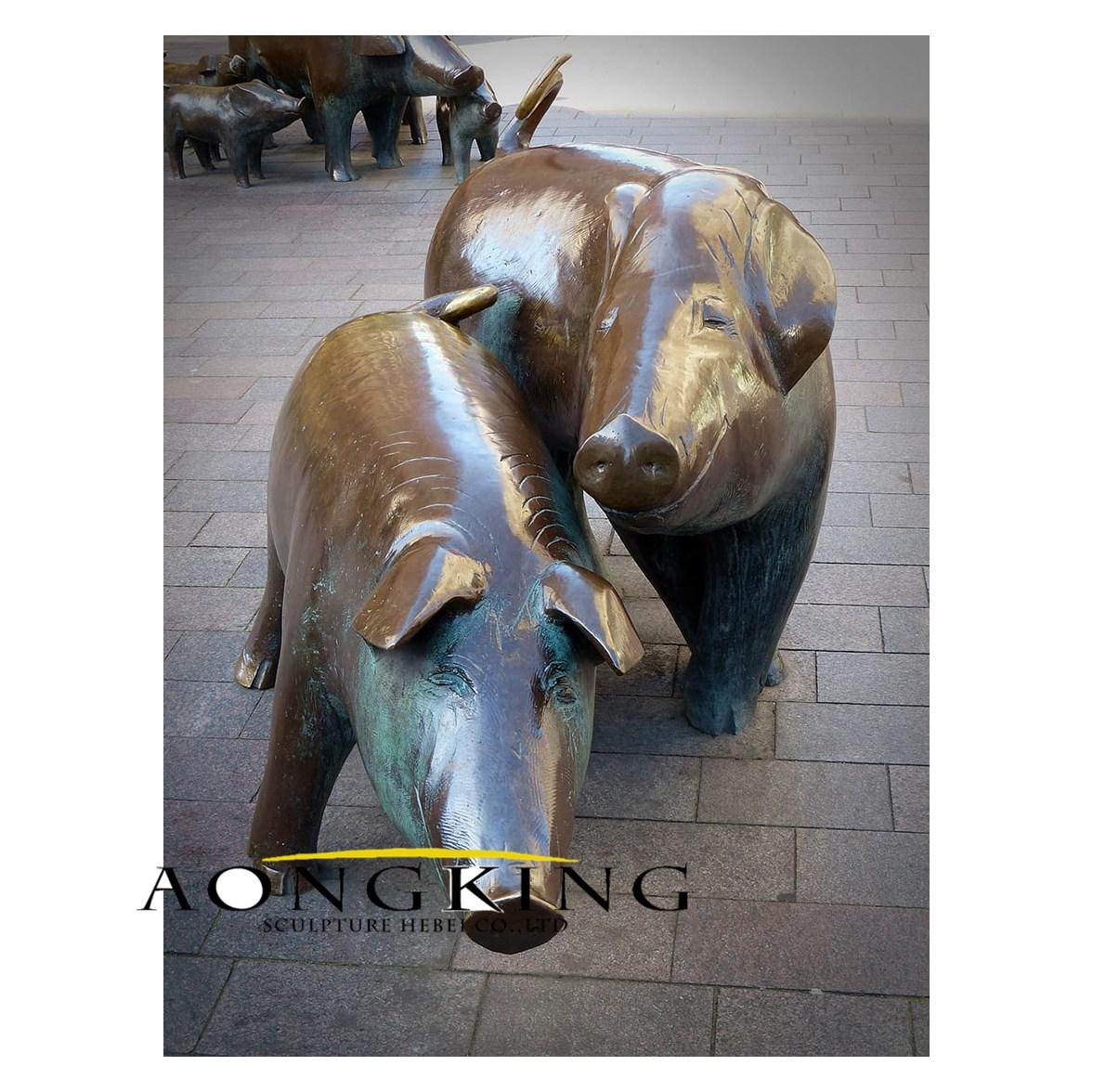 Sculpture pigs bronze art