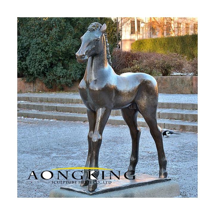 Statue horse colt sculpture artwork bronze