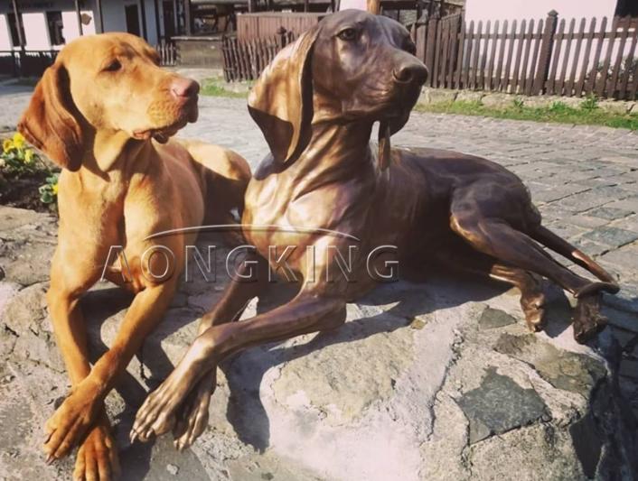 Dog bronze sculpture
