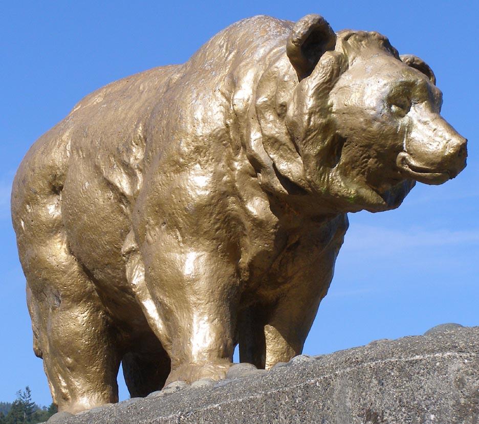 Gold bear bronze statue