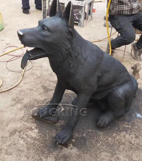 Life size dog bronze sculpture