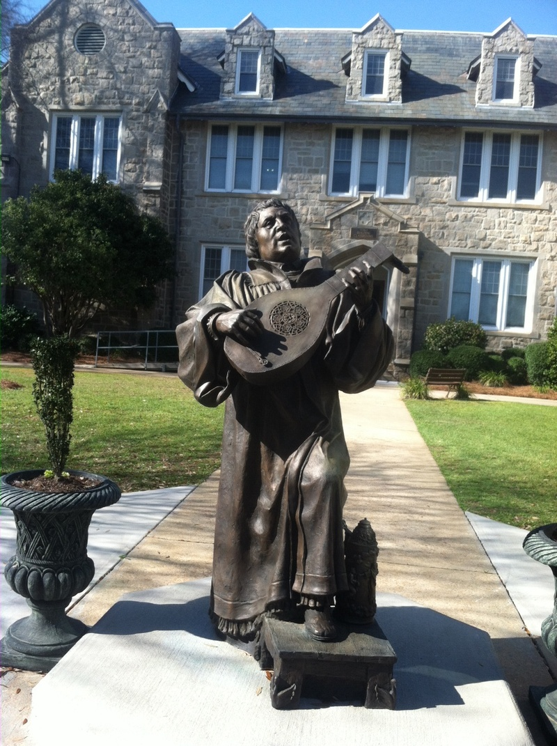 Martin luther lute statue
