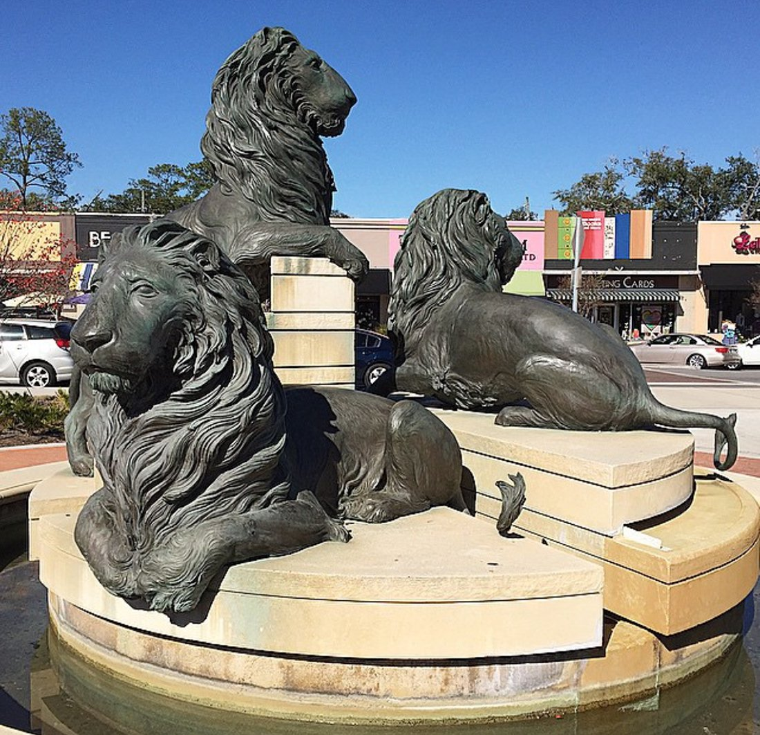 Outdoor Lions Fountain