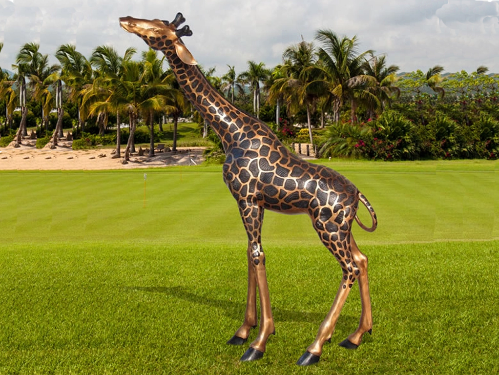 giraffe garden statue