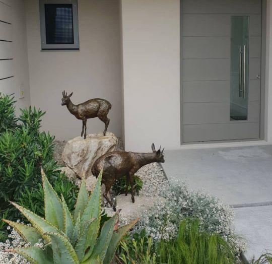 African Animal Pair Of Deer Bronze Statue For Yard Ornament