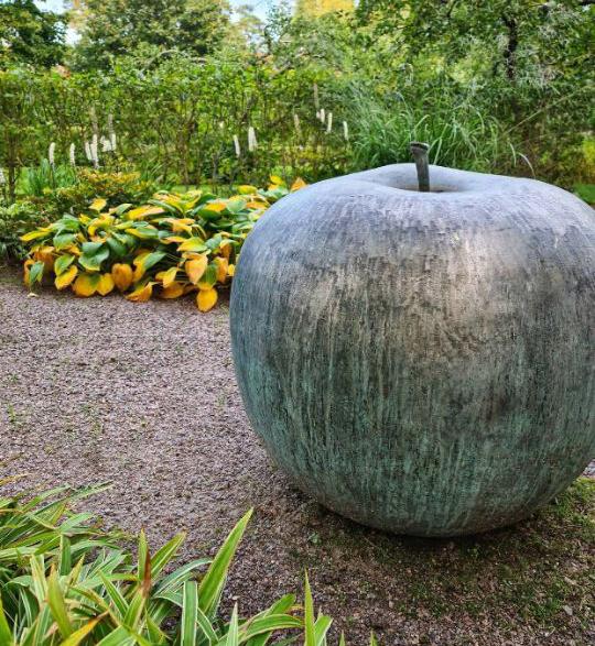 Garden Large Decorative Silver Apple Bronze Statue