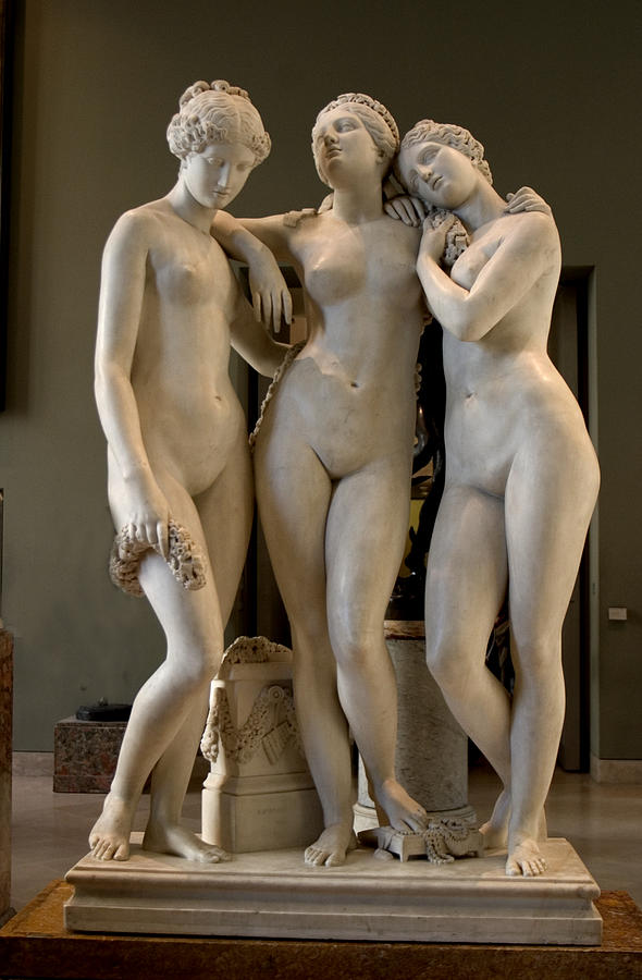 Haapy Three Graces Sculpture
